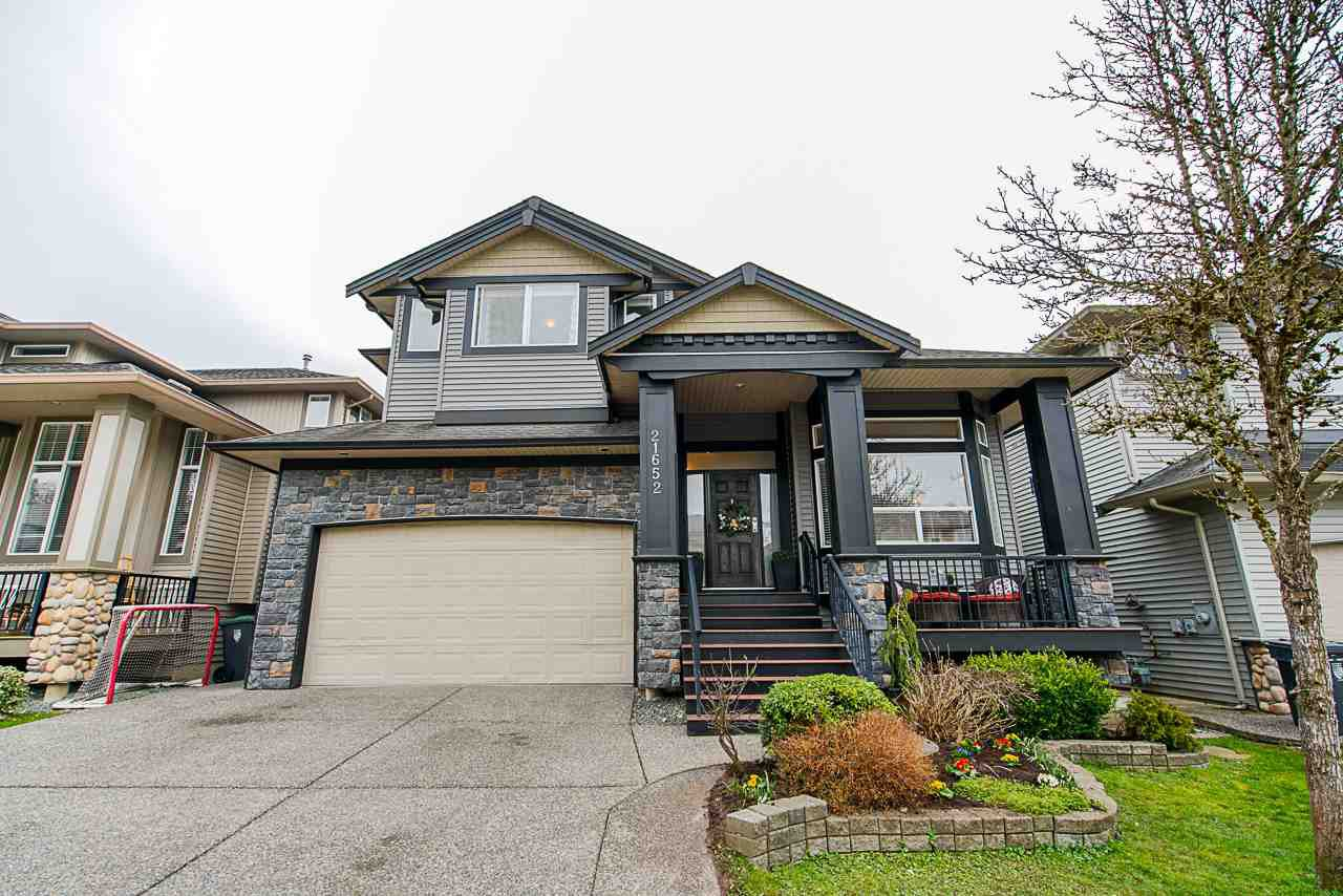 """Main Photo: 21652 90B Avenue in Langley: Walnut Grove House for sale in """"MADISON PARK"""" : MLS®# R2445516"""