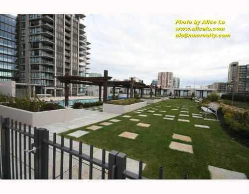 Main Photo: 1111 5811 NO 3 Road in Aqua: Home for sale : MLS®# V751282