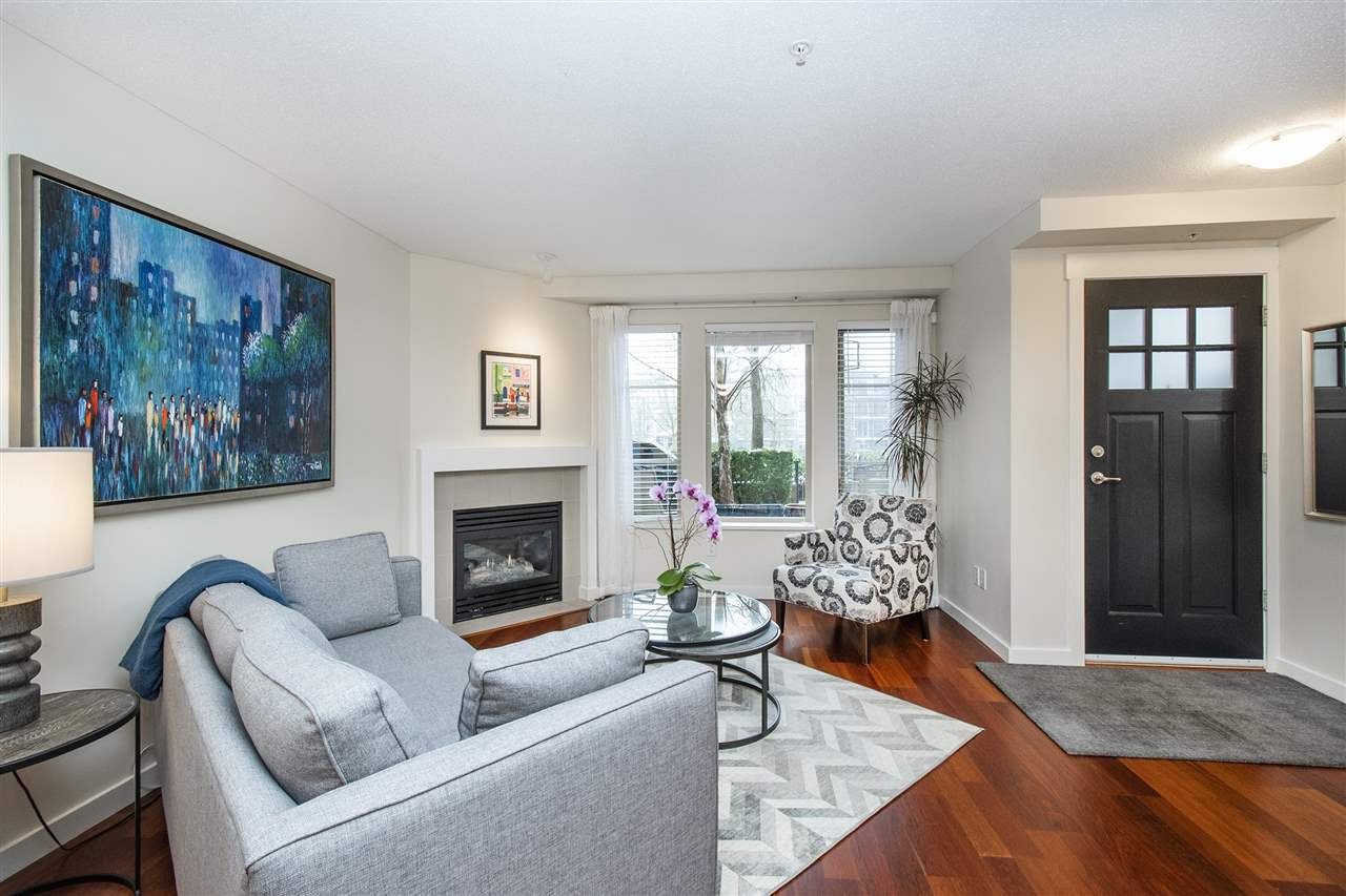 """Photo 4: Photos: 6246 LOGAN Lane in Vancouver: University VW Townhouse for sale in """"HAWTHORN PLACE"""" (Vancouver West)  : MLS®# R2434211"""