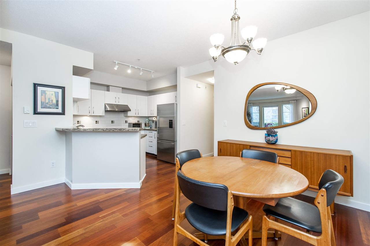 """Photo 6: Photos: 6246 LOGAN Lane in Vancouver: University VW Townhouse for sale in """"HAWTHORN PLACE"""" (Vancouver West)  : MLS®# R2434211"""