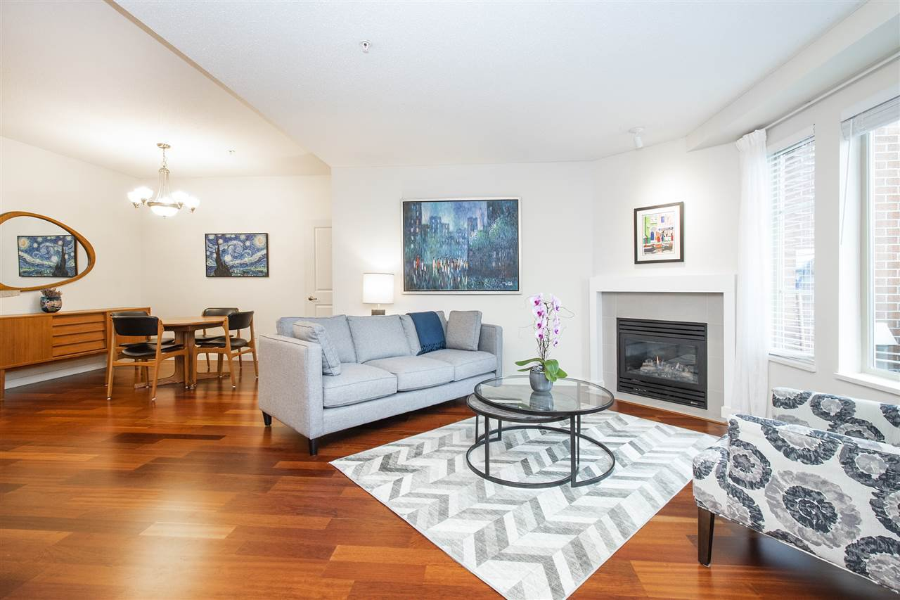 """Photo 2: Photos: 6246 LOGAN Lane in Vancouver: University VW Townhouse for sale in """"HAWTHORN PLACE"""" (Vancouver West)  : MLS®# R2434211"""