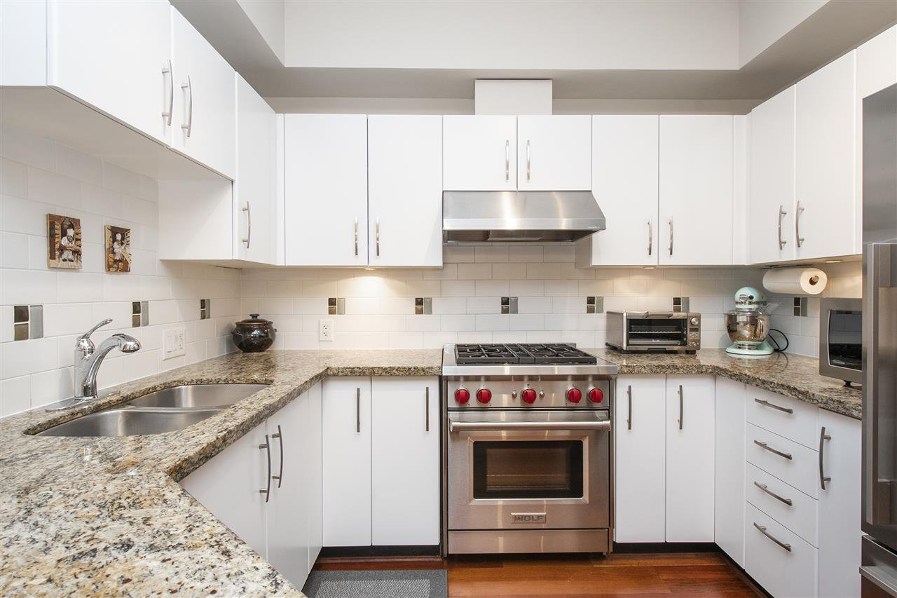 """Photo 8: Photos: 6246 LOGAN Lane in Vancouver: University VW Townhouse for sale in """"HAWTHORN PLACE"""" (Vancouver West)  : MLS®# R2434211"""