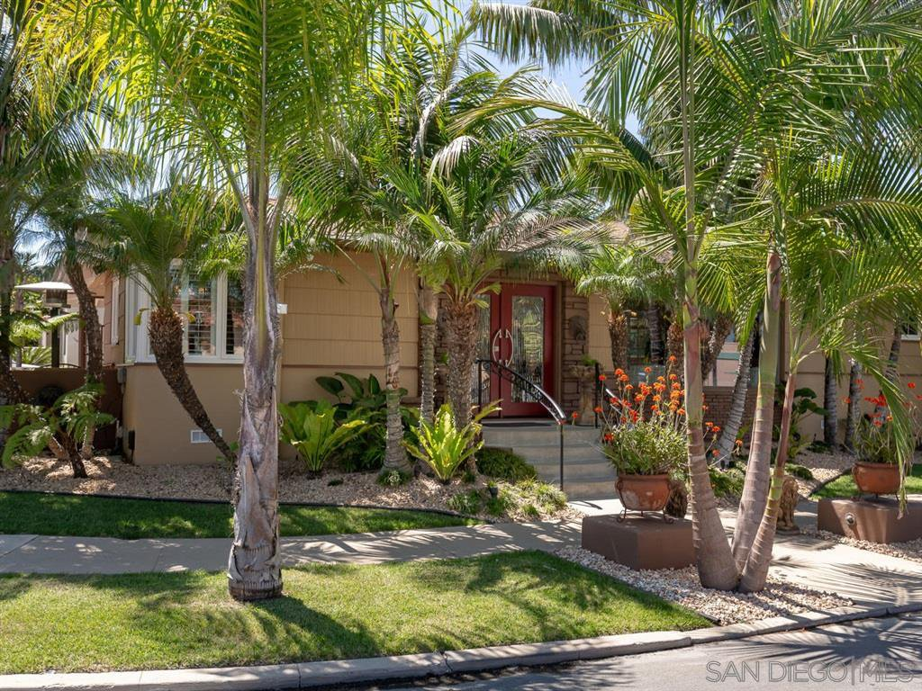 Main Photo: KENSINGTON House for sale : 3 bedrooms : 4030 Rochester Road in San Diego