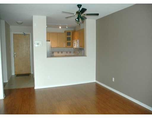 "Photo 3: Photos: 417 3122 ST JOHNS ST in Port Moody: Port Moody Centre Condo for sale in ""SONRISA"" : MLS®# V589277"