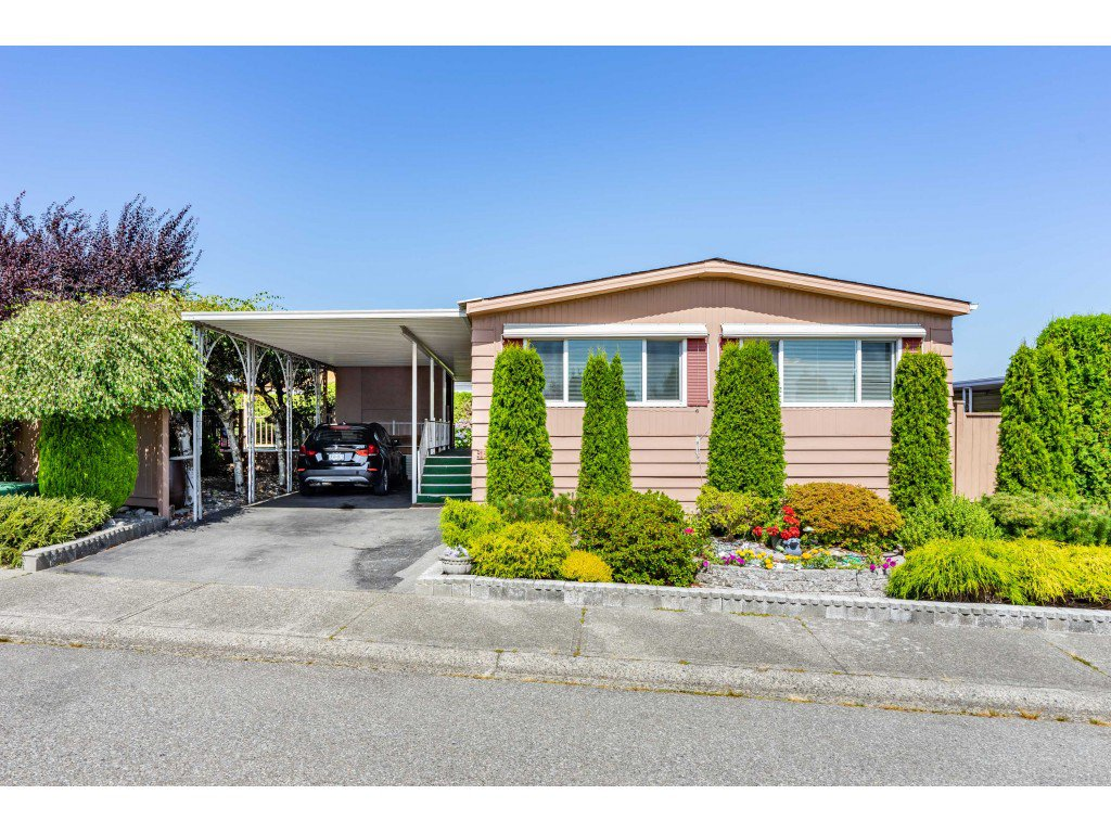 Main Photo: 15851 Norfolk Road in Surrey: King George Corridor Manufactured Home for sale (South Surrey White Rock)