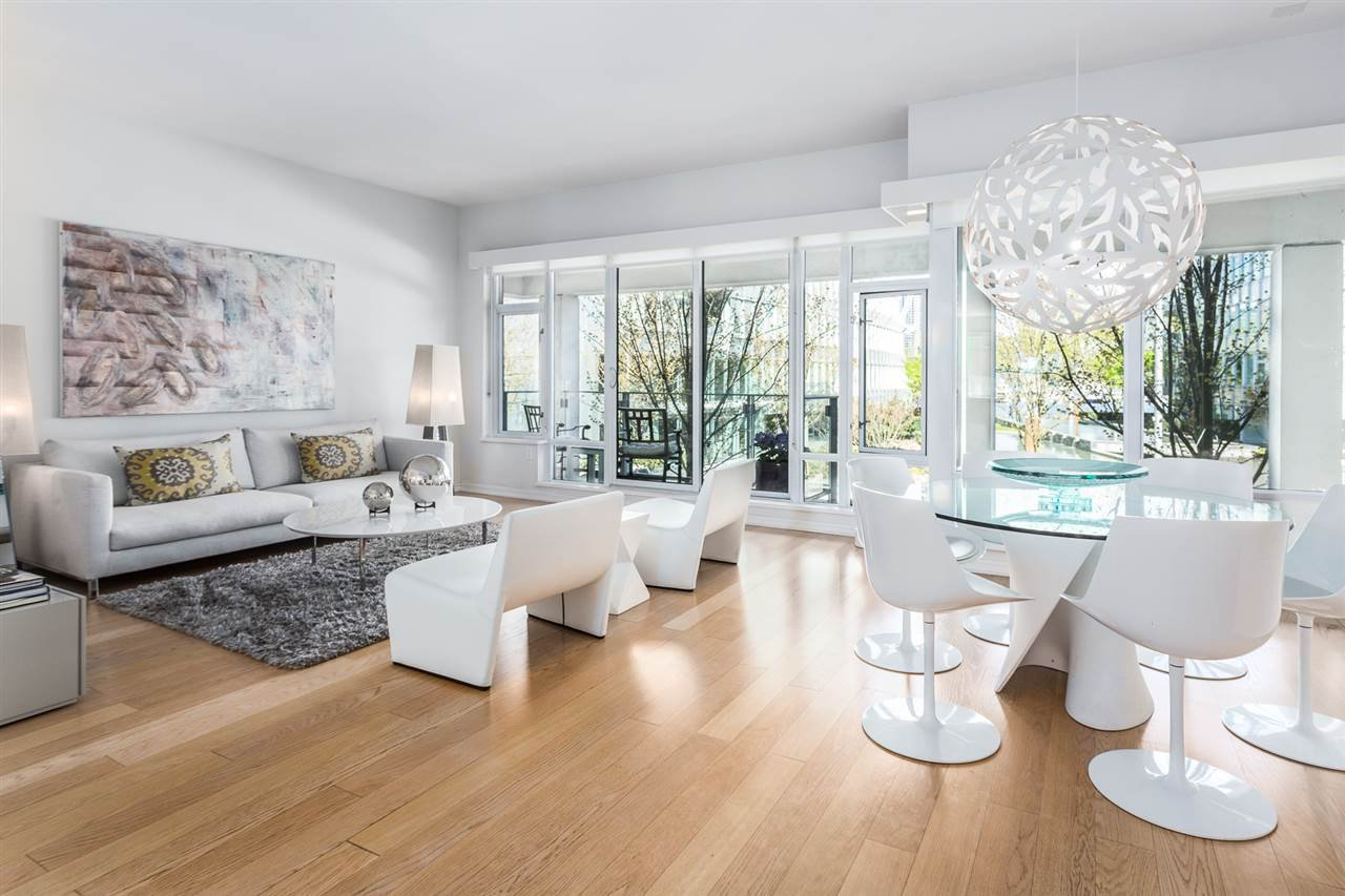 "Main Photo: 201 170 ATHLETES Way in Vancouver: False Creek Condo for sale in ""Bridge"" (Vancouver West)  : MLS®# R2401471"