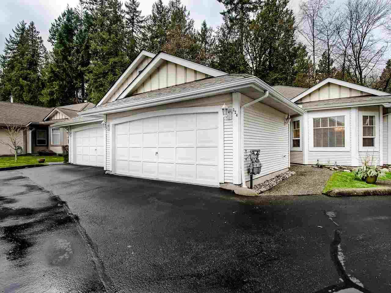 "Photo 2: Photos: 324 20655 88 Avenue in Langley: Walnut Grove Townhouse for sale in ""Twin Lakes"" : MLS®# R2439648"