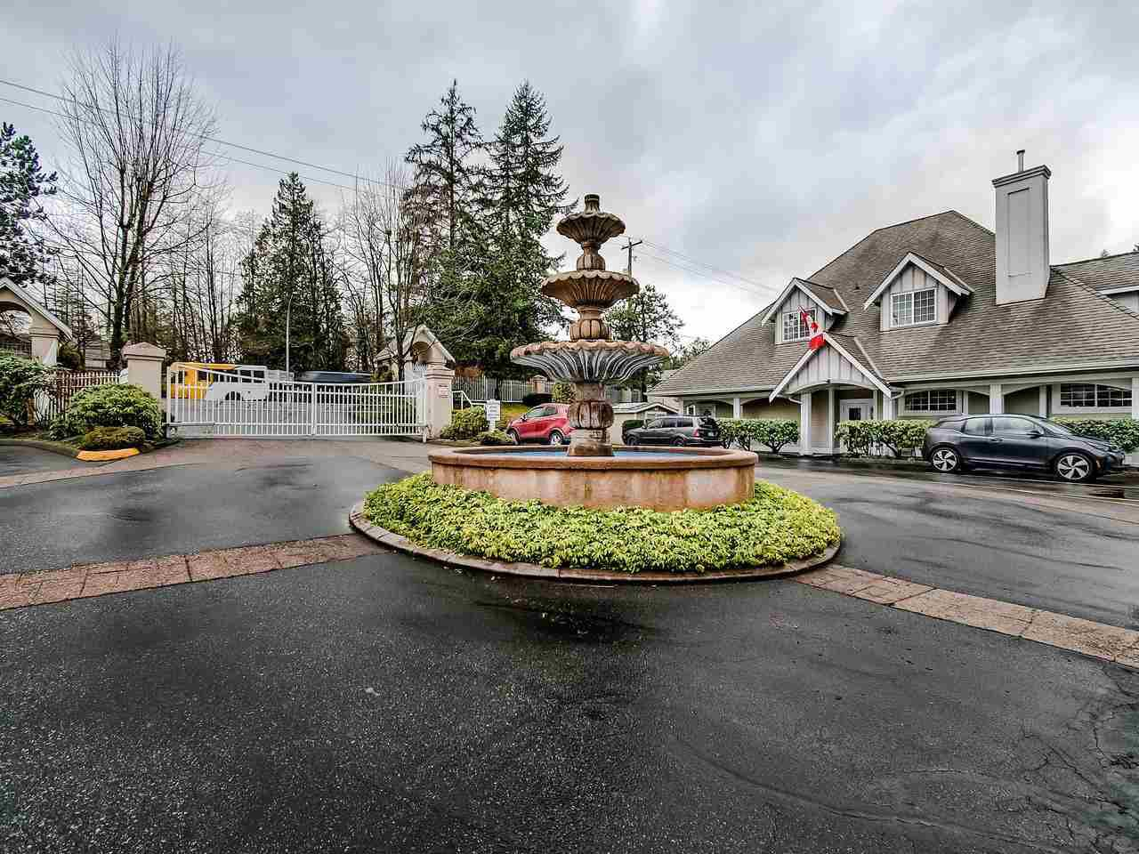 "Photo 1: Photos: 324 20655 88 Avenue in Langley: Walnut Grove Townhouse for sale in ""Twin Lakes"" : MLS®# R2439648"