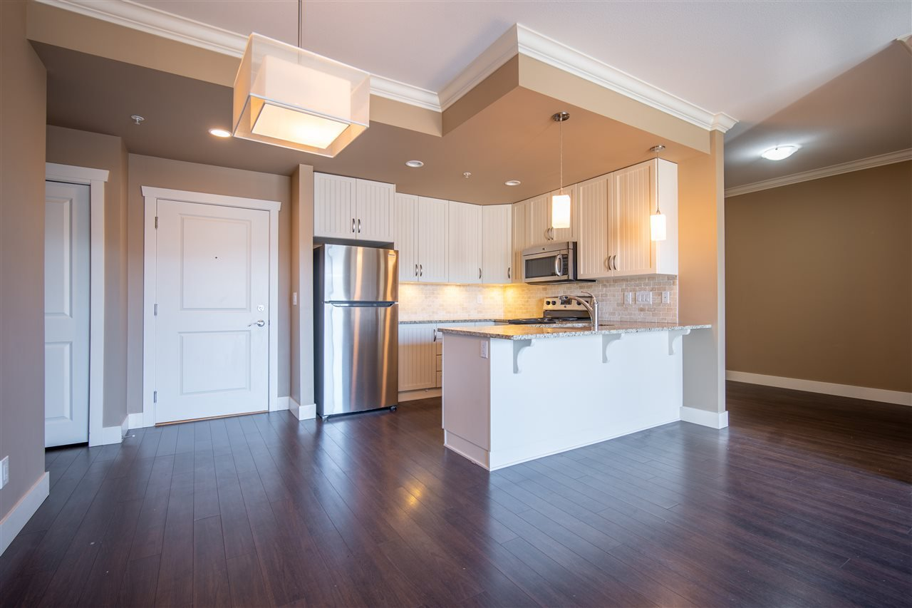 "Main Photo: 414 3192 GLADWIN Road in Abbotsford: Central Abbotsford Condo for sale in ""BROOKLYN"" : MLS®# R2503884"