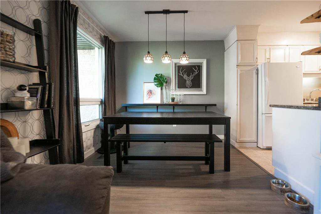 Photo 6: Photos: 912 Greencrest Avenue in Winnipeg: Fort Richmond Residential for sale (1K)  : MLS®# 202025586