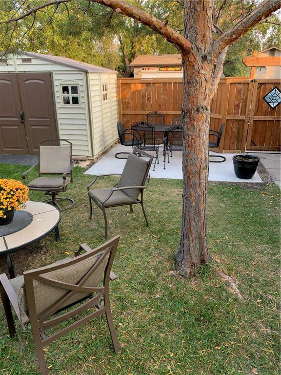 Photo 26: Photos: 912 Greencrest Avenue in Winnipeg: Fort Richmond Residential for sale (1K)  : MLS®# 202025586