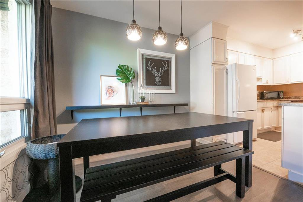 Photo 7: Photos: 912 Greencrest Avenue in Winnipeg: Fort Richmond Residential for sale (1K)  : MLS®# 202025586