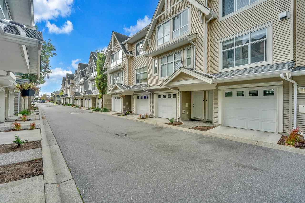 """Main Photo: 14 6450 199 Street in Langley: Willoughby Heights Townhouse for sale in """"LOGAN'S LANDING"""" : MLS®# R2508053"""