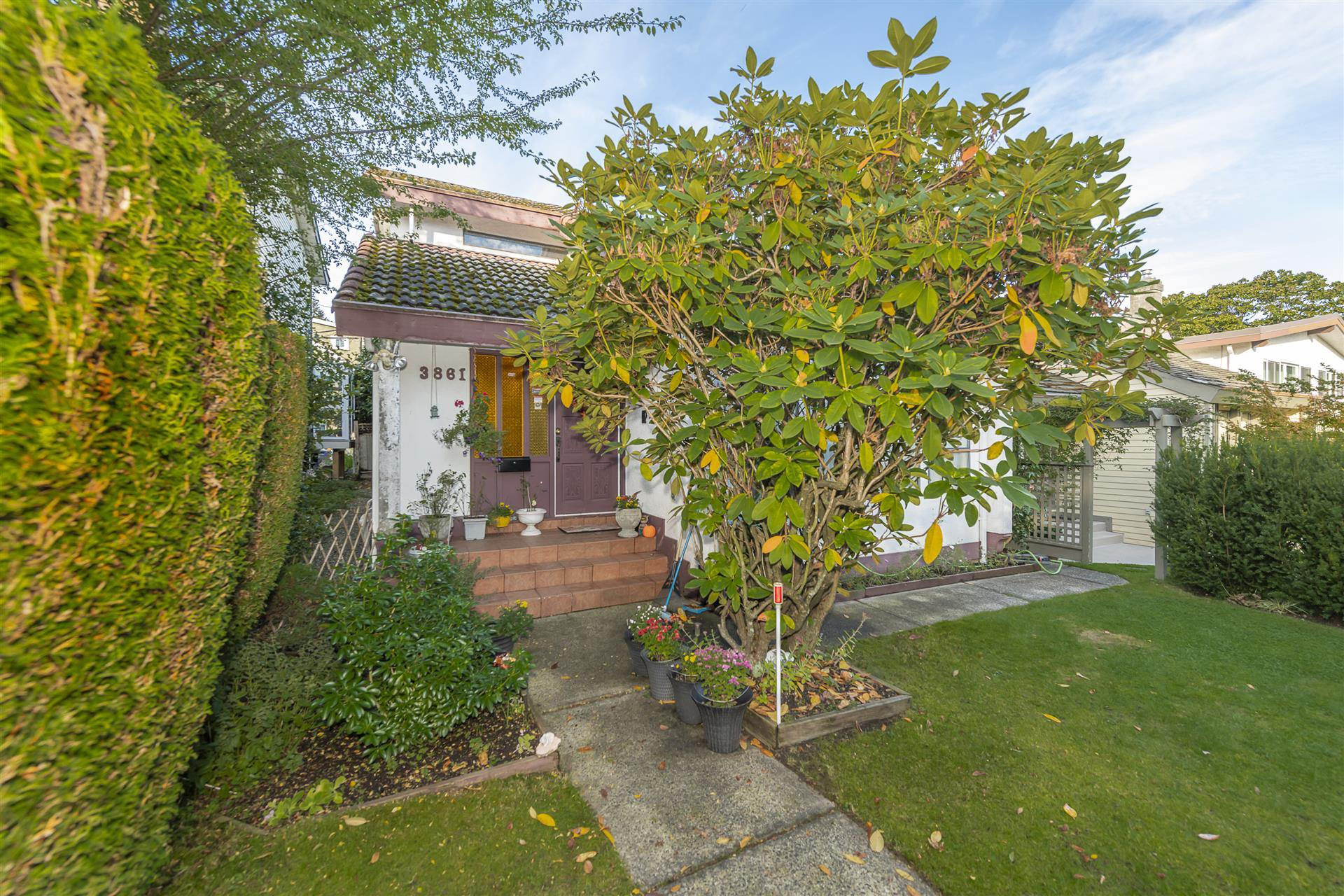Main Photo: 3861 BLENHEIM Street in Vancouver: Dunbar House for sale (Vancouver West)  : MLS®# R2509255