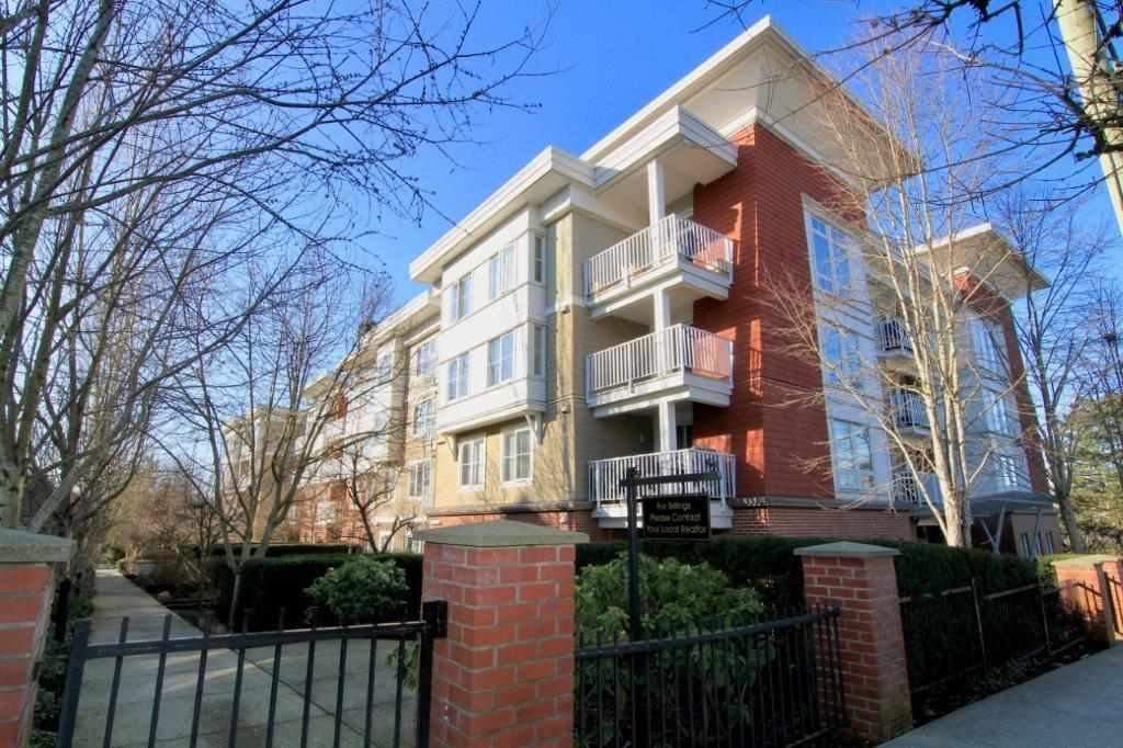 """Main Photo: 417 12283 224 Street in Maple Ridge: West Central Condo for sale in """"THE MAXX"""" : MLS®# R2436038"""