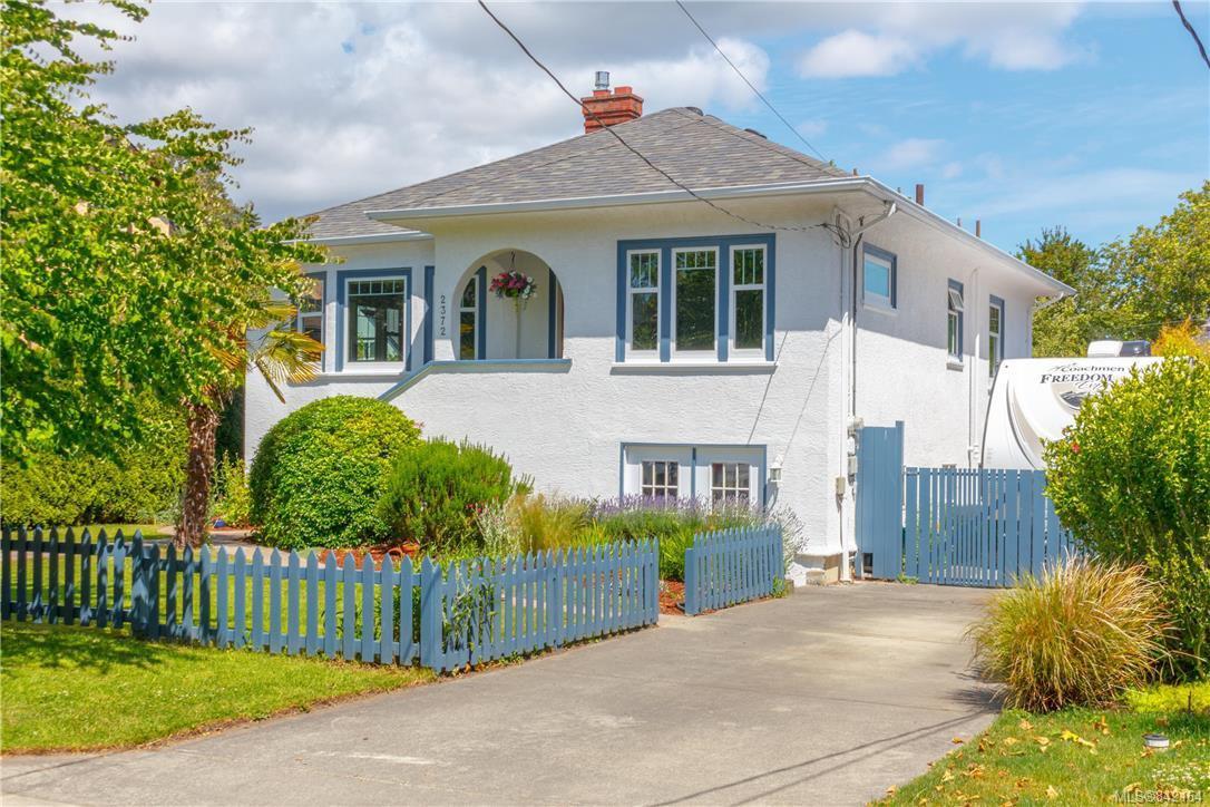 Main Photo: 2372 Zela St in Oak Bay: OB South Oak Bay Single Family Detached for sale : MLS®# 842164