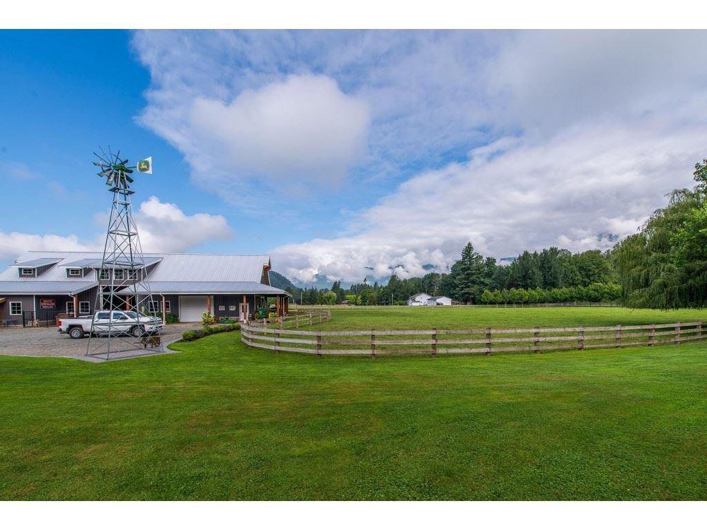 Photo 18: Photos: 6209 HOLLY Road: Agassiz House for sale : MLS®# R2388475
