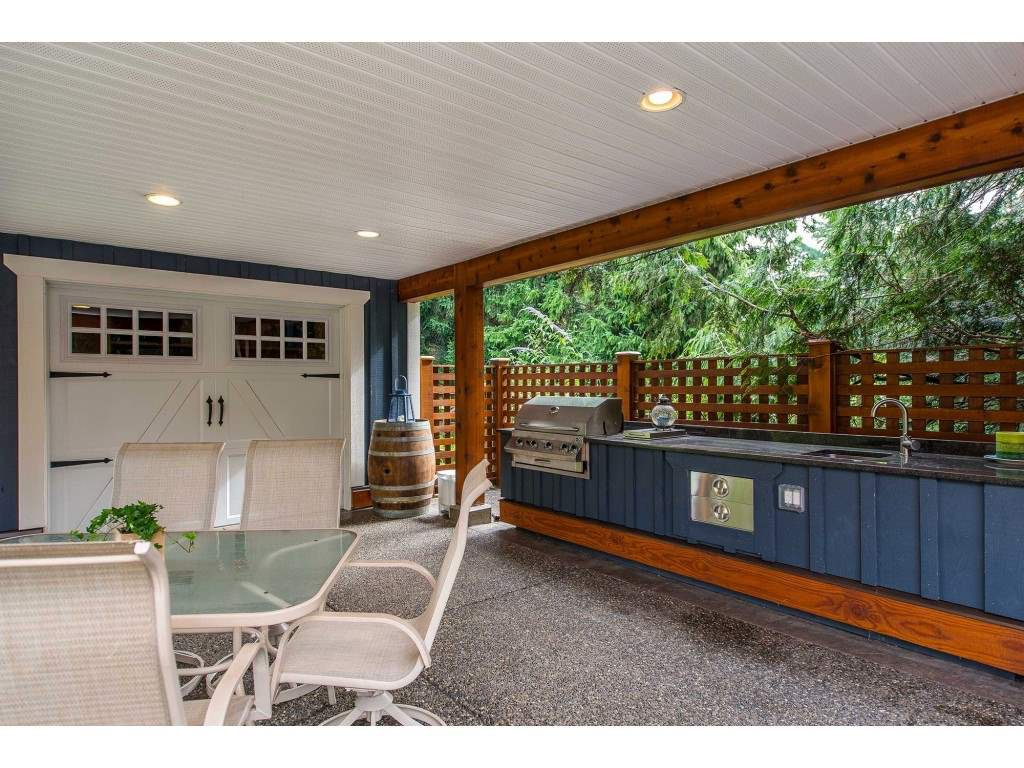 Photo 14: Photos: 6209 HOLLY Road: Agassiz House for sale : MLS®# R2388475