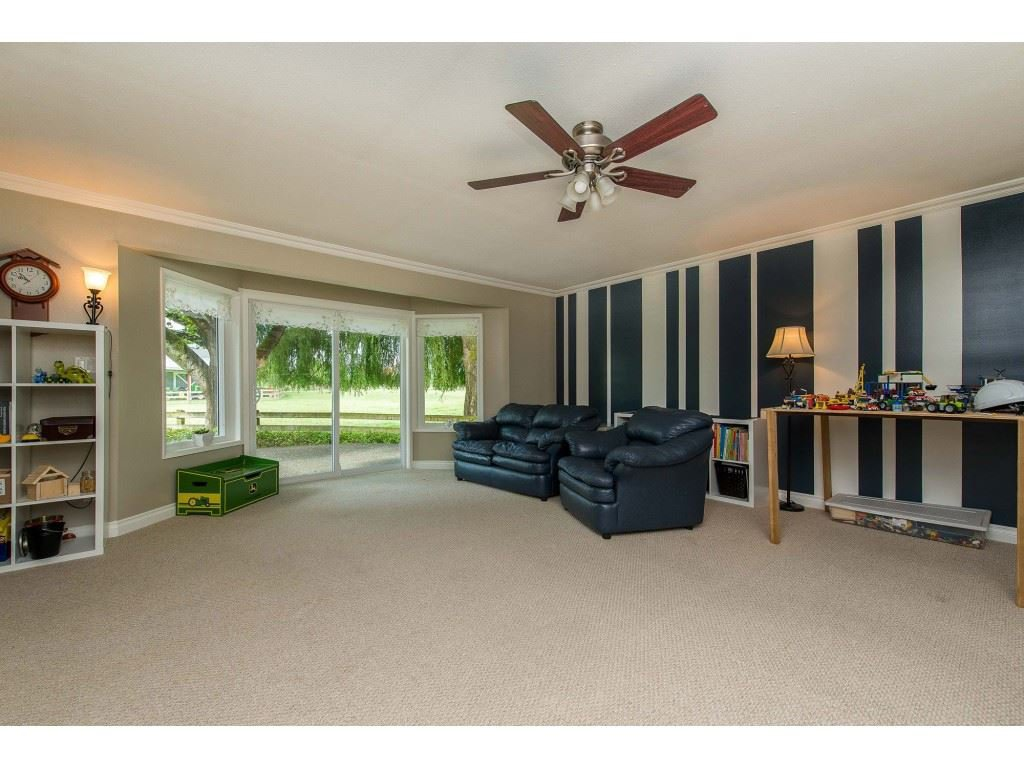 Photo 4: Photos: 6209 HOLLY Road: Agassiz House for sale : MLS®# R2388475