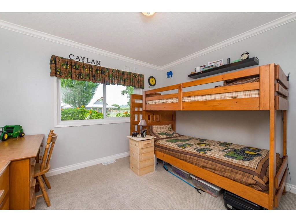 Photo 11: Photos: 6209 HOLLY Road: Agassiz House for sale : MLS®# R2388475