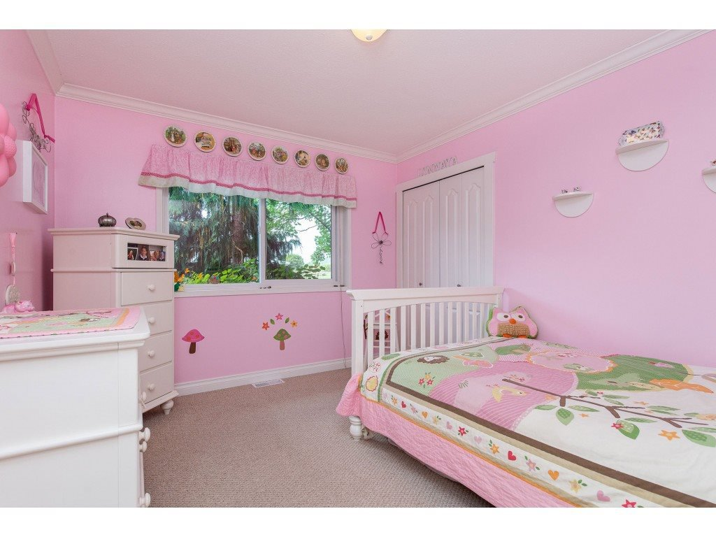 Photo 10: Photos: 6209 HOLLY Road: Agassiz House for sale : MLS®# R2388475
