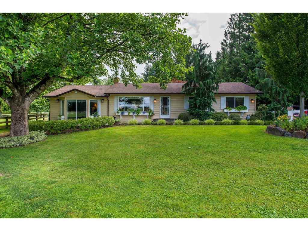 Photo 2: Photos: 6209 HOLLY Road: Agassiz House for sale : MLS®# R2388475