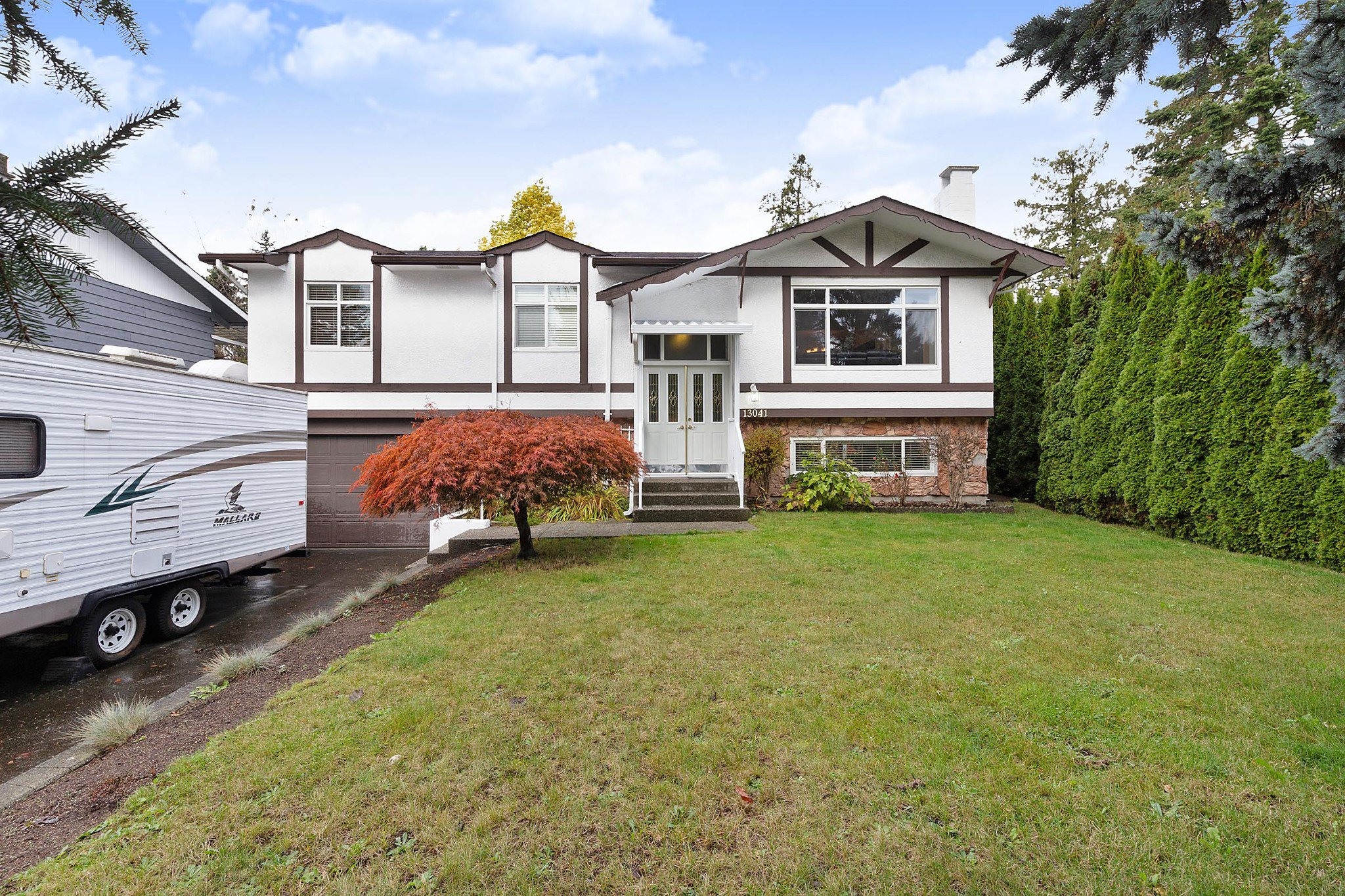 Main Photo: 13041 HUNTLEY Avenue in Surrey: Queen Mary Park Surrey House for sale : MLS®# R2414788
