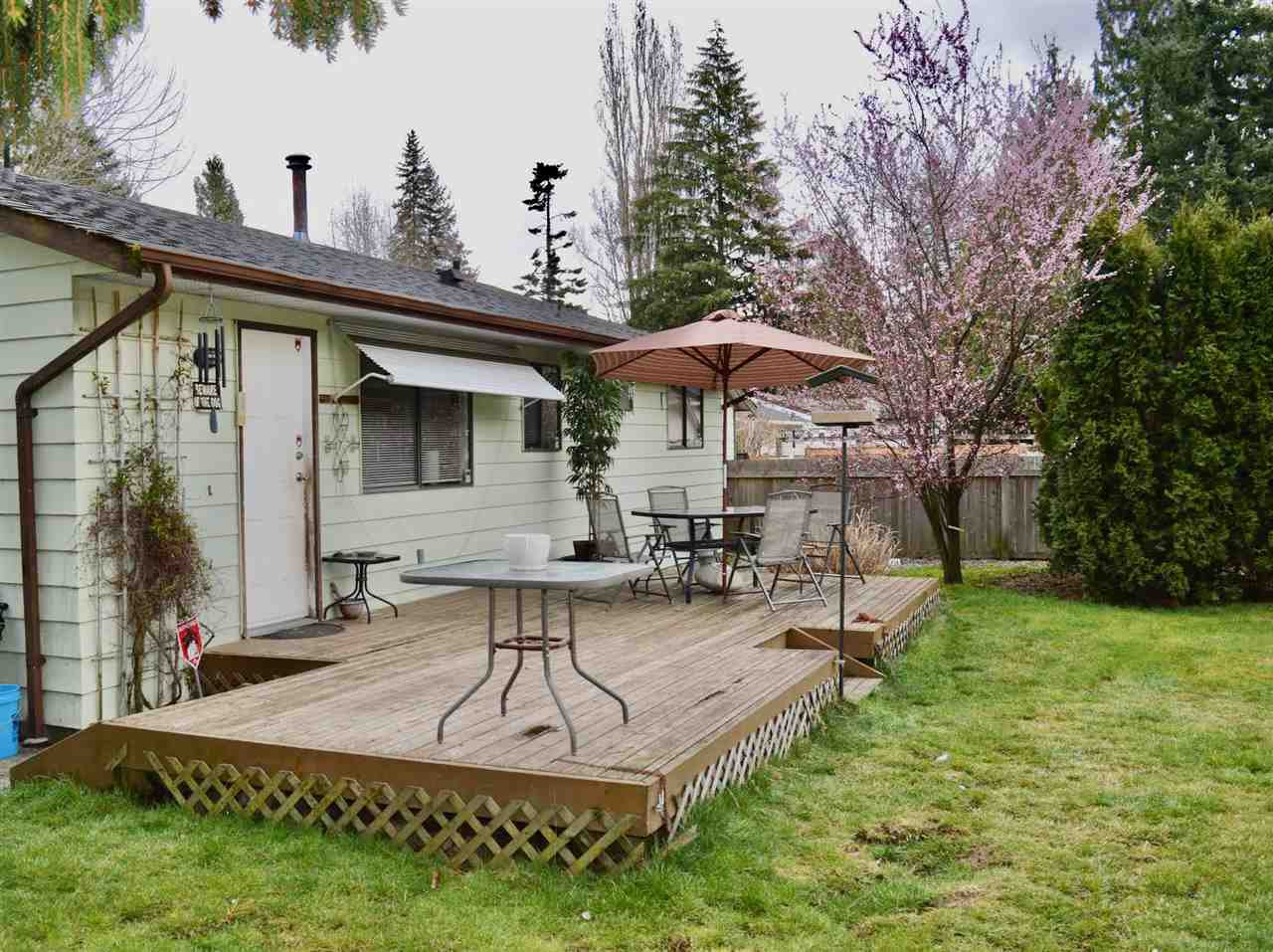 Photo 10: Photos: 20060 45 Avenue in Langley: Langley City House for sale : MLS®# R2448223