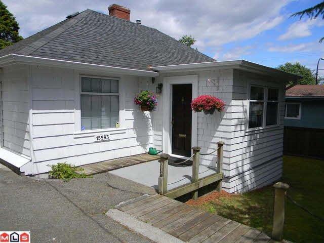 Main Photo: 15983 BUENA VISTA Avenue: White Rock House for sale (South Surrey White Rock)  : MLS®# R2462213