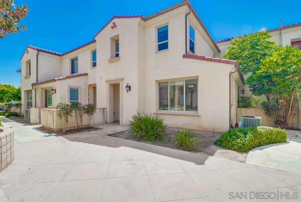 Main Photo: CHULA VISTA Condo for sale : 3 bedrooms : 2207 Pasadena Court #4