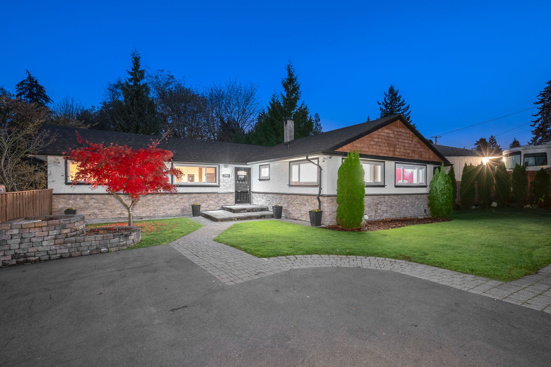 Photo 37: Photos: 1563 MARINE Crescent in Coquitlam: Harbour Place House for sale : MLS®# R2516102