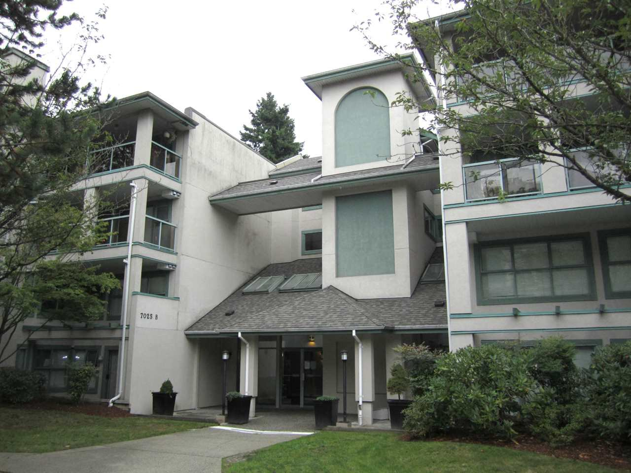 Main Photo: 205B - 7025 Stride Ave in Burnaby: Edmonds BE Condo for sale (Burnaby East)  : MLS®# R2407329