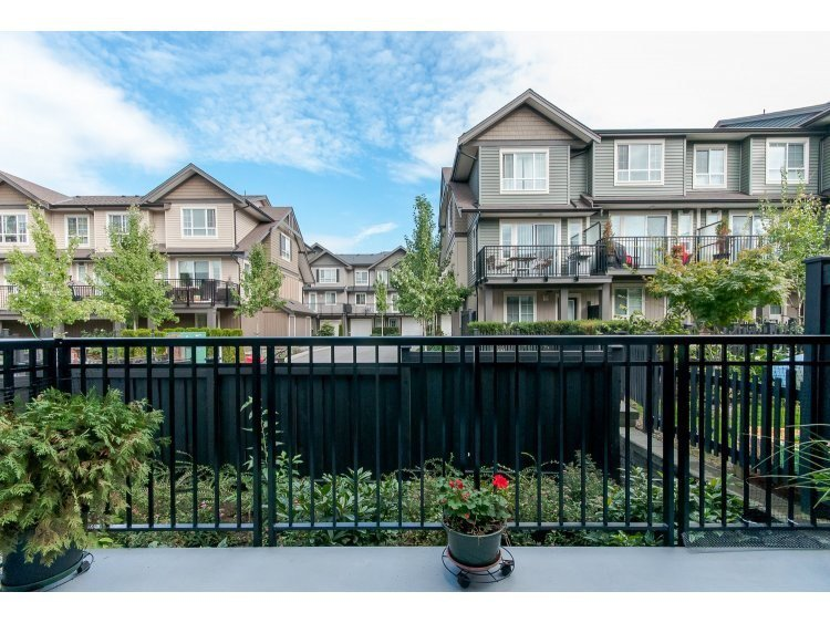 "Photo 8: Photos: 28 4967 220 Street in Langley: Murrayville Townhouse for sale in ""WINCHESTER ESTATES"" : MLS®# R2455894"