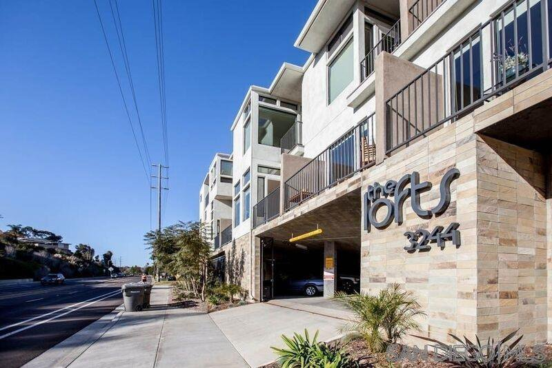 Main Photo: POINT LOMA Condo for rent : 2 bedrooms : 3244 Nimitz Blvd. #2 in San Diego