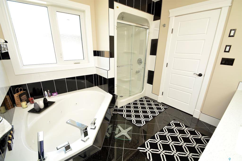 Photo 30: Photos: 650 Hastings Crescent in Saskatoon: Rosewood Residential for sale : MLS®# SK817171