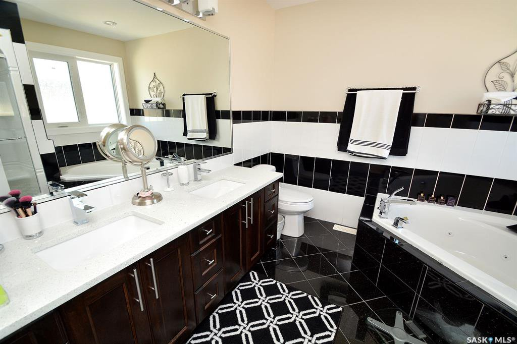 Photo 31: Photos: 650 Hastings Crescent in Saskatoon: Rosewood Residential for sale : MLS®# SK817171