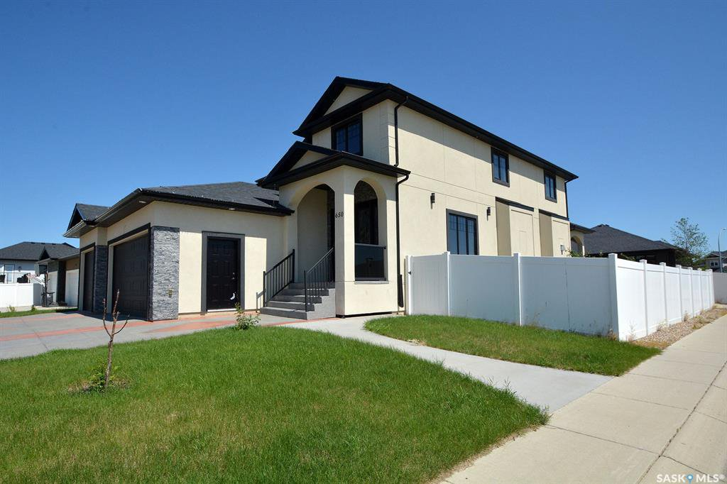 Photo 4: Photos: 650 Hastings Crescent in Saskatoon: Rosewood Residential for sale : MLS®# SK817171