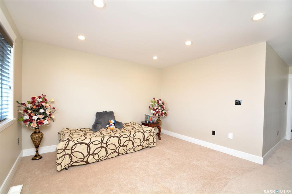 Photo 36: Photos: 650 Hastings Crescent in Saskatoon: Rosewood Residential for sale : MLS®# SK817171