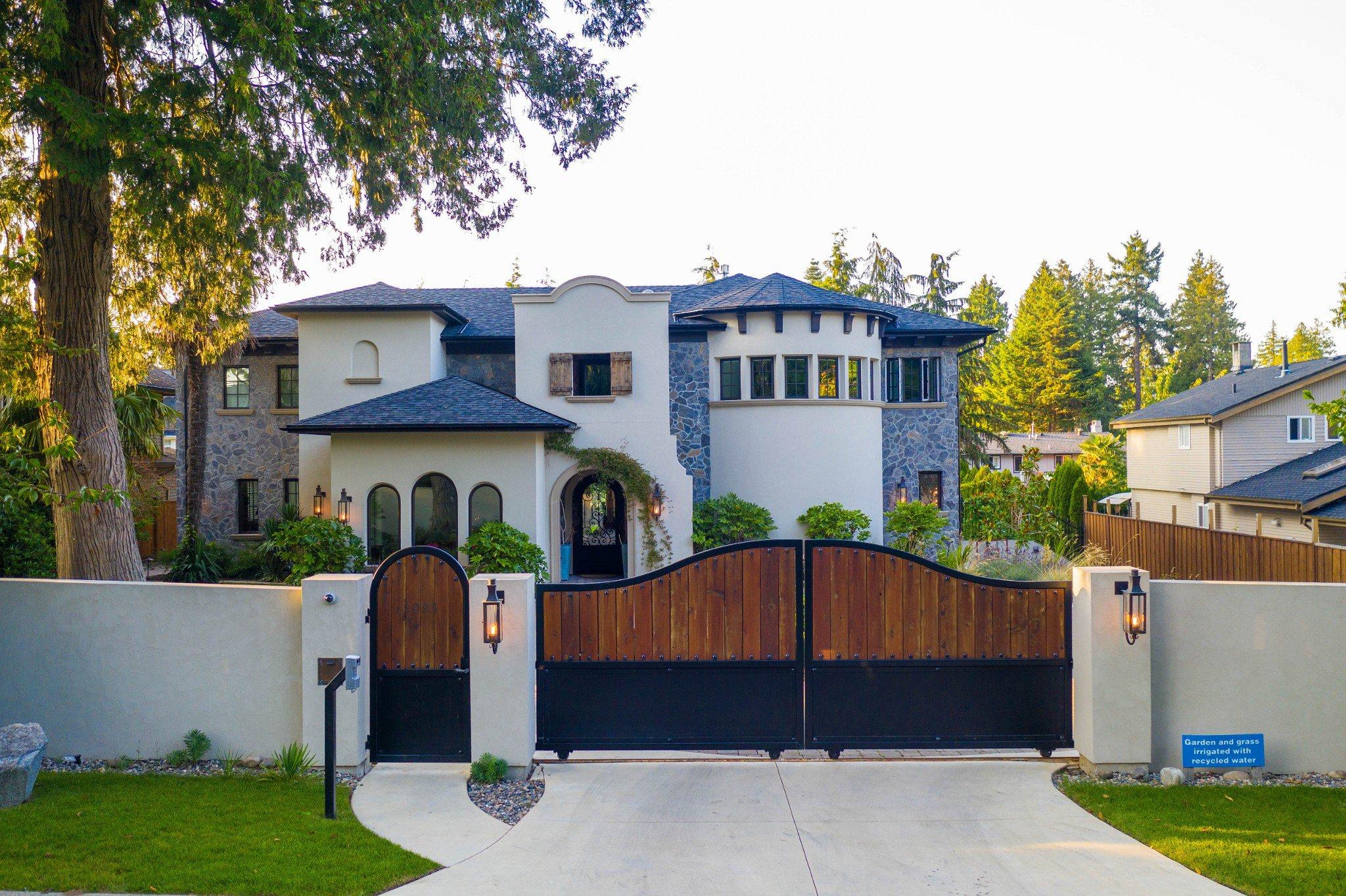 Main Photo: 5095 1 Avenue in Delta: Pebble Hill House for sale (Tsawwassen)  : MLS®# R2396283