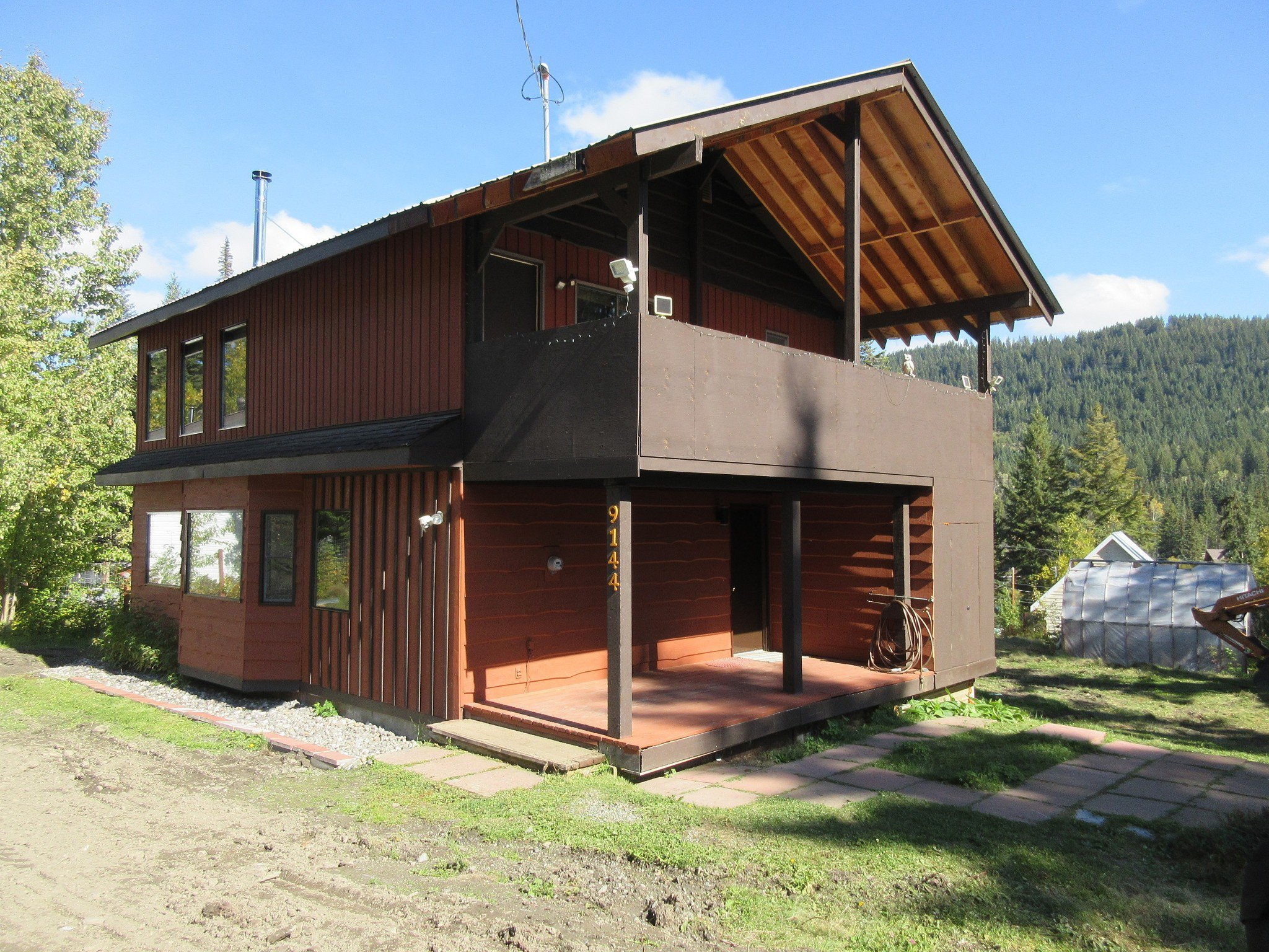 Main Photo: 9144 Knouff Lake Road in Kamloops: House for sale (Out of Town)  : MLS®# MLSR153708