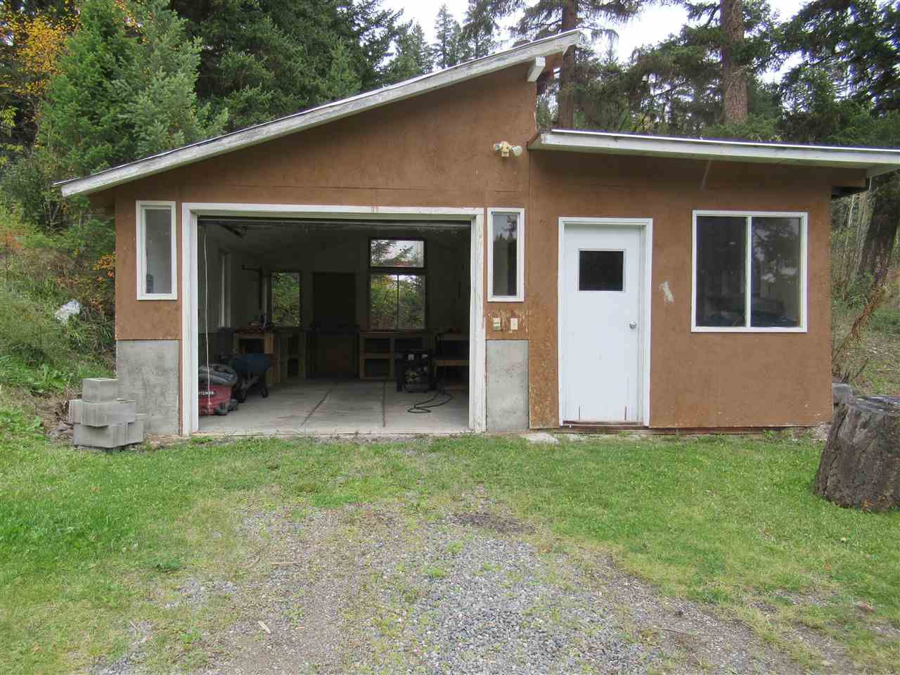 Photo 14: Photos: 3974 SCHARF Road in Williams Lake: Williams Lake - Rural North House for sale (Williams Lake (Zone 27))  : MLS®# R2409567