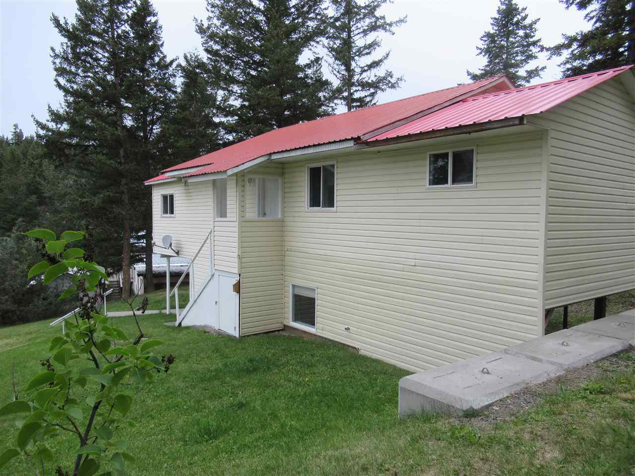 Photo 16: Photos: 3974 SCHARF Road in Williams Lake: Williams Lake - Rural North House for sale (Williams Lake (Zone 27))  : MLS®# R2409567