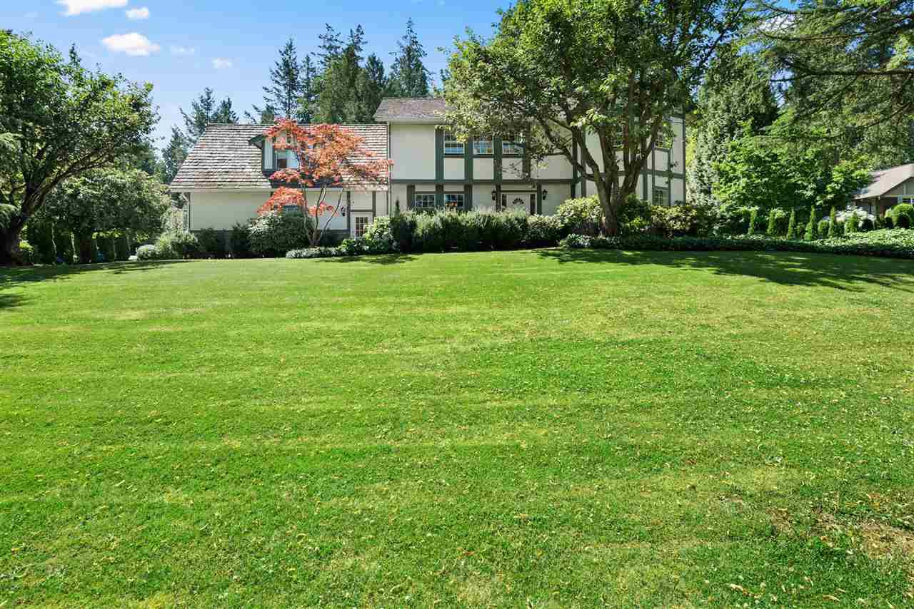 Main Photo: 17434 28A Avenue in Surrey: White Rock House for sale (South Surrey White Rock)  : MLS®# R2477517