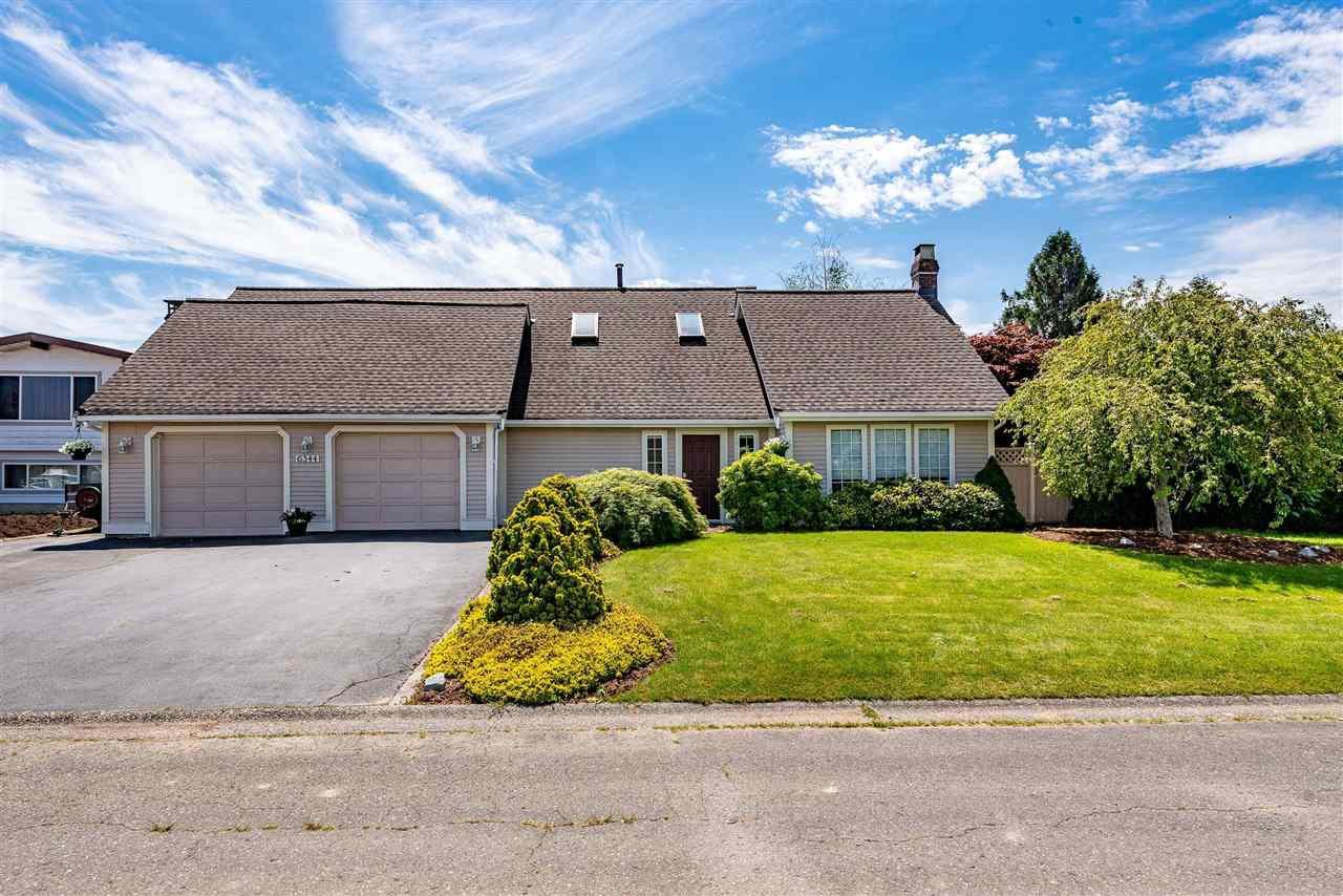 Main Photo: 6344 SILVERTHORNE ROAD in Sardis: Sardis West Vedder Rd House for sale : MLS®# R2459850