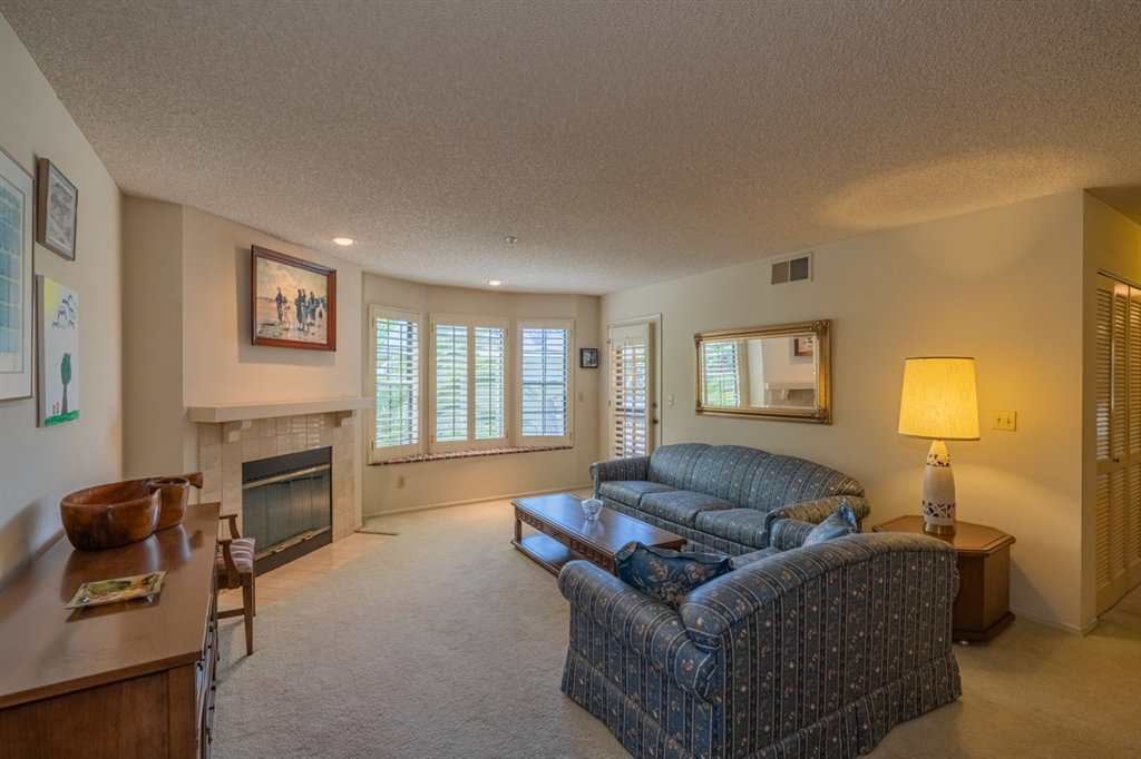 Main Photo: MISSION HILLS Condo for sale : 2 bedrooms : 909 Sutter St #105 in San Diego