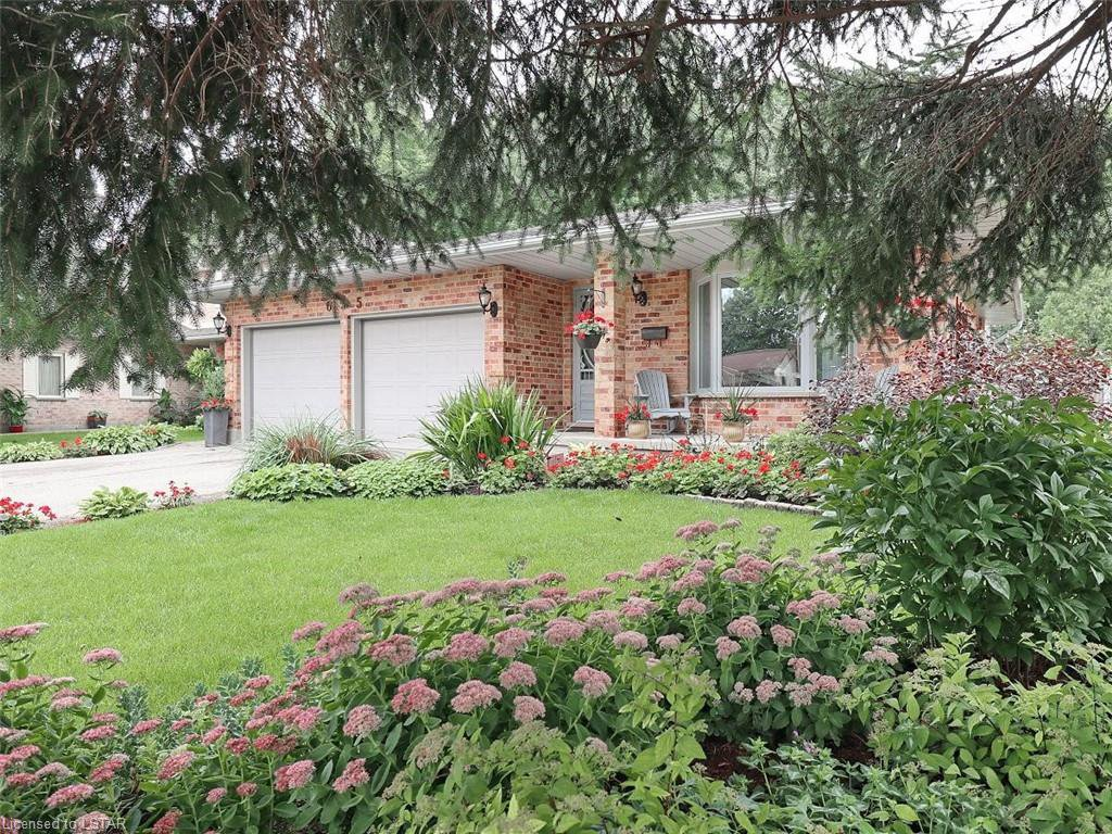 Main Photo: 655 COUNTRY CLUB Drive in London: South P Residential for sale (South)  : MLS®# 40021878