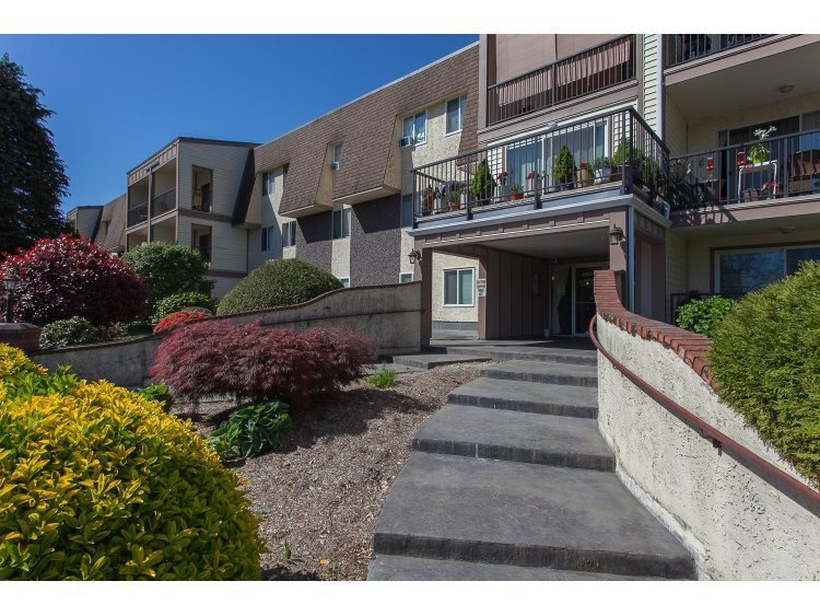 "Main Photo: 345 2821 TIMS Street in Abbotsford: Abbotsford West Condo for sale in ""Parkview Estates"" : MLS®# R2507653"