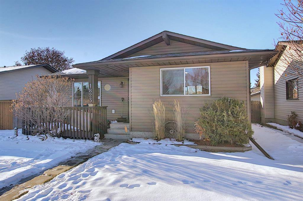 Main Photo: 1823 Summerfield Boulevard SE: Airdrie Detached for sale : MLS®# A1051150