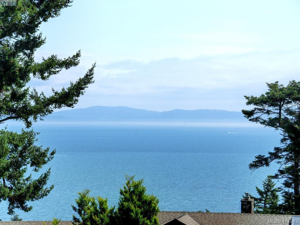 Main Photo: 5070 Catalina Terrace in VICTORIA: SE Cordova Bay Single Family Detached for sale (Saanich East)  : MLS®# 414943