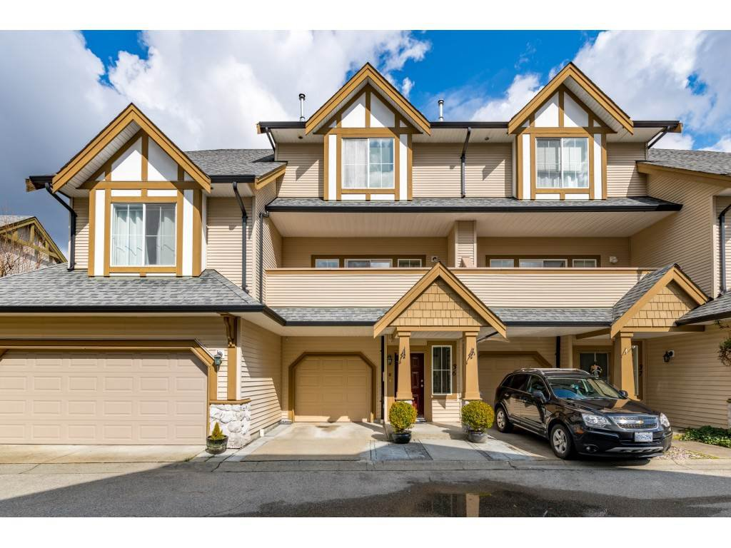 """Main Photo: 36 18707 65 Avenue in Surrey: Cloverdale BC Townhouse for sale in """"LEGENDS"""" (Cloverdale)  : MLS®# R2447874"""